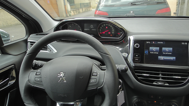 peugeot-208-style-1