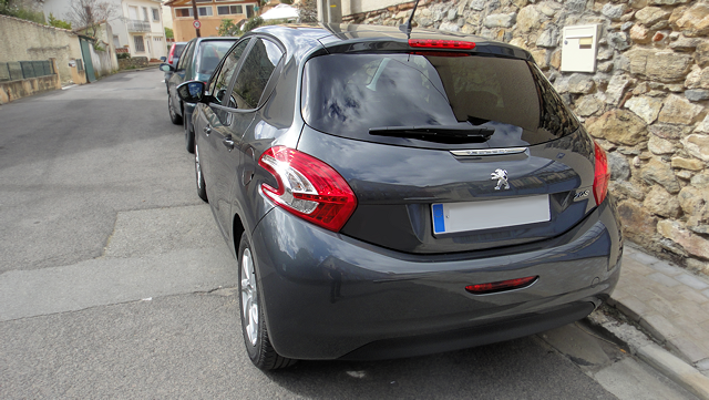 peugeot-208-style-2
