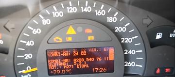 En hemmelig tastekombinasjon som forteller hvor mye motorolje du har på din W203
