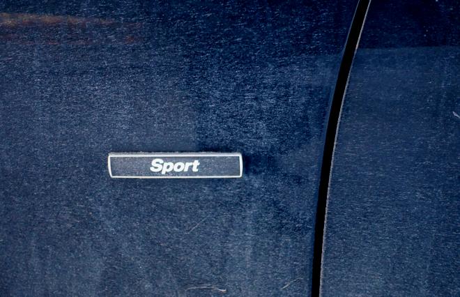 Sport-line omfatter sportsratt, sportsseter, Sport+ modus, pluss en del visuelle effekter.