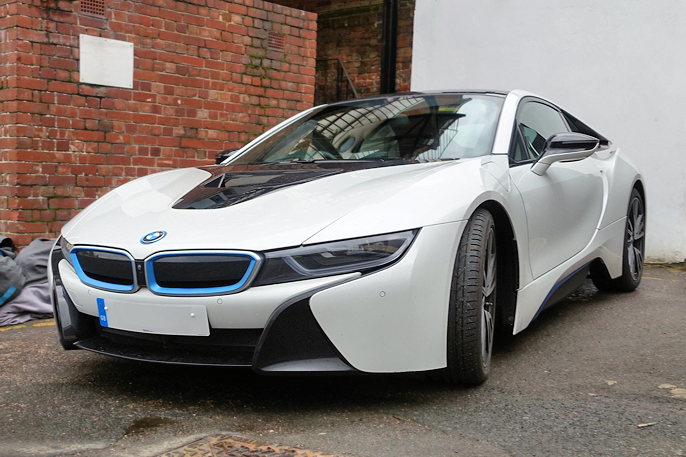 2014 BMW i8 (Essex UK, 2016). A beauty in crystal white.