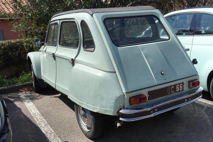 Citroën Dyane ca 1970. Hadde samme motorvalg som 2CV, men i et mer kontemporært design.