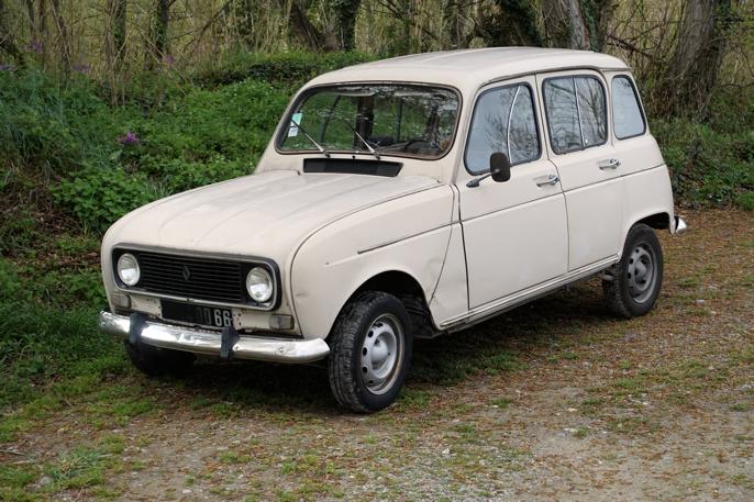 '75-77 Renault 4L i meget god bruksstand.