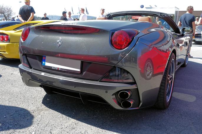 2009 Ferrari California, 4,3 liter V12 med 460 HK.