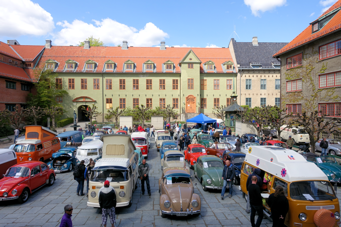 VW-klubben og Porsche 356-klubben hadde samling på Folkemuseet.