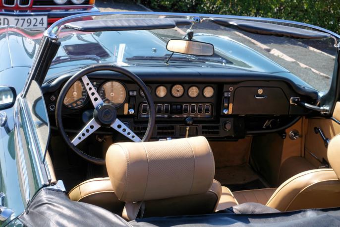Ett av mine yndlingsmotiver, - dash og cockpit på en sen Etype.