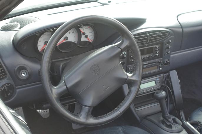 En stilstudie på hvordan en påkostet førerplass skulle se ut på 90-tallet.