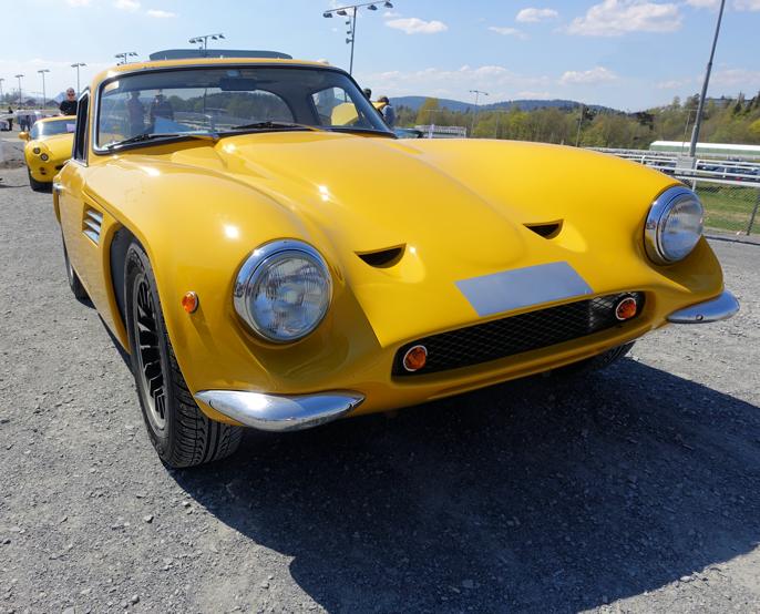 """På TVR-standen tok jeg dette bildet av en 70-modell Tuscan. Designmessig har den faktisk visse likhetstrekk med norske """"Troll"""". Også denne er laget i glassfiber, men 3-liters V6 (Capri-motor) i stedet for to-takter..."""