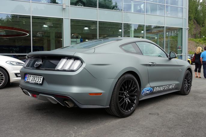 Denne 2015, også med 5,0 V8 er til salgs for 1 190 000 kroner.