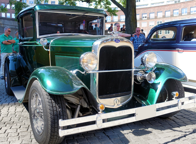 1930 Ford Model A Doctor's Coupe hotrod (Oslo NO, 2016).