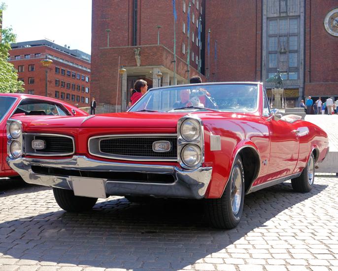 1966 Pontiac LeMans Convertible (Oslo NO, 2016).