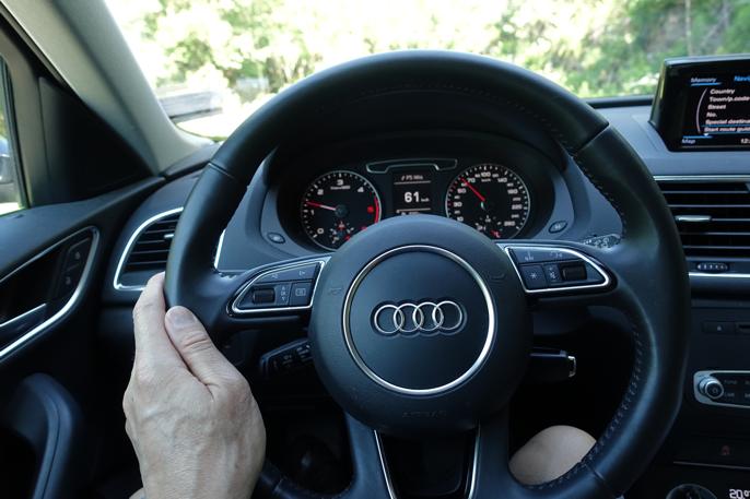 Ikke voldsomt fancy, men funksjonell og svært intuitiv førerplass.