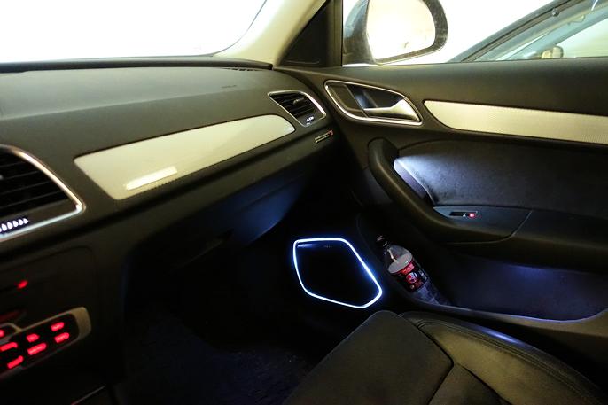Hjemme i garasjen: Luksus i form av utvidet interiørlyspakke og Bose stereo.