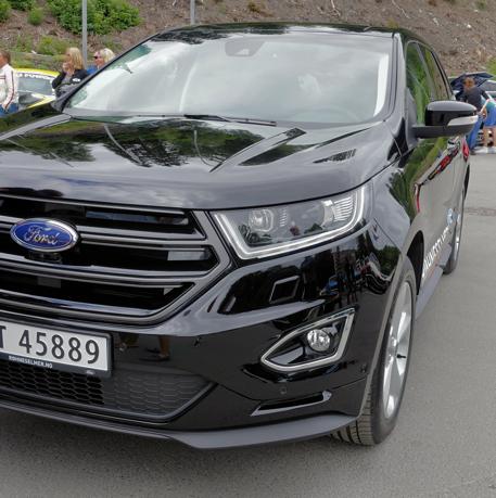 Ford Edge Sport (svartlakkert grill) 2,0 TDCi med 180 HK, 6-trinns manuelt gir og firehjulstrekk.