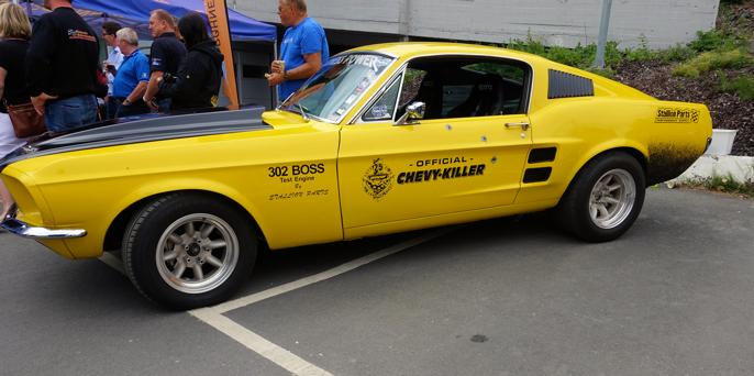 Lillegul er en '67 Fastback 289 (4,7) trimmet opp til 600 HK.