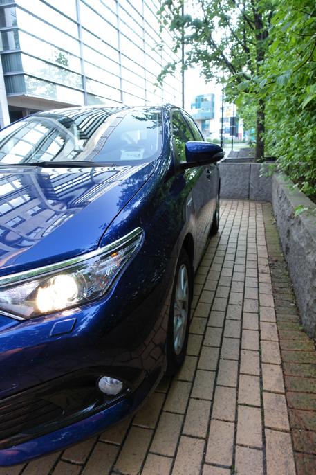 Auris i Europa heter Corolla i Asia og Scion iM i USA. Samme bil og samme drivverk.
