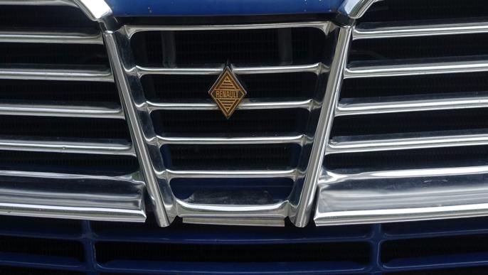 Renault-logoen har forandret seg gjennom årene. 1971 var siste året denne logoen ble brukt.