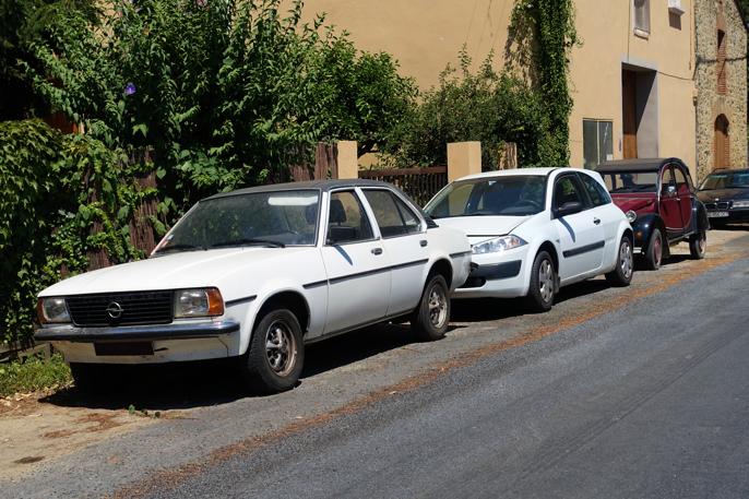 En Ascona B før facelift i '79 i utrolig god forfatning (Pyrenées-Orientales FR, 2016).