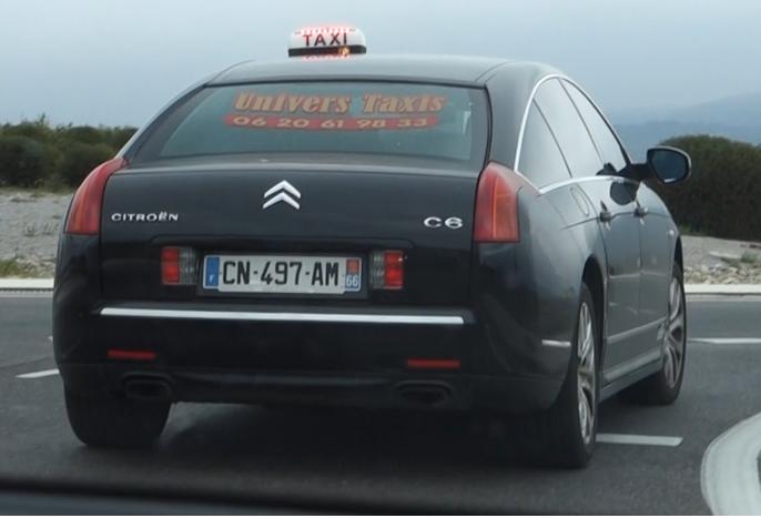 Doble rektantulære eksosutslipp signalisererer at sitter en 3,0 V6 HDi i bilen med 6-trinns automat.