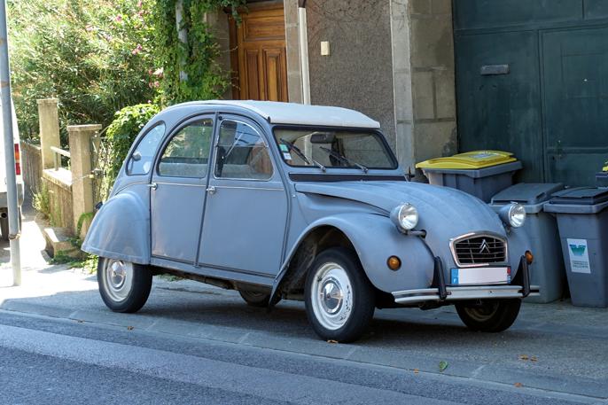 Citroën 2CV, et bilkonsept vi nordmenn ikke helt forstår oss på.