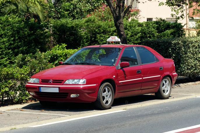 En Xantia var ofte å se på veien, med en aldrende eier. Nå parkert, kanskje satt i pensjon.
