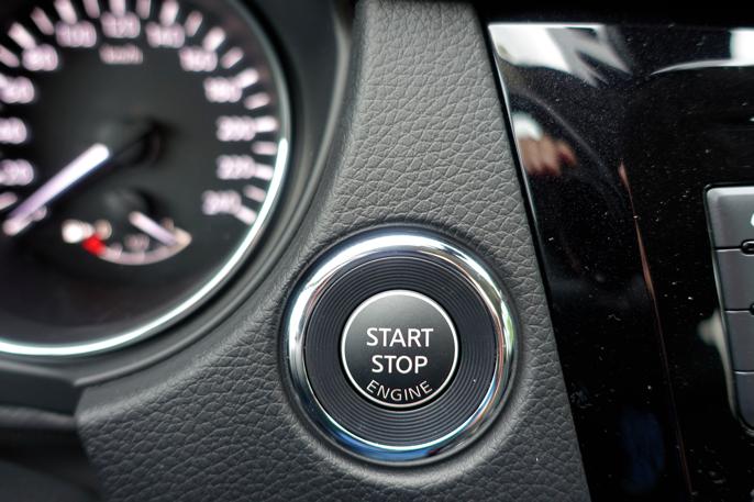 Start/stopp bryter på utstyrsgrad N-connecta og Tekna.
