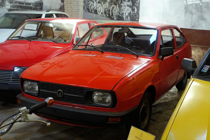 Etter jernteppets fall fortsatte Skoda-fabrikken i Bratislava å produsere biler under eget navn (BAZ). Begge modellene var forsøk på å forlenge levetiden på Skoda Rapid.