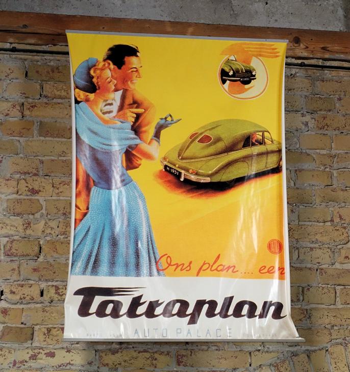 En av verdens vakreste biler er Tatraplan. Jeg har lest at det skal befinne seg en i et nærliggende museum. Jeg er overbevist om at hvis Tatra ikke hadde havnet bak jernteppet, ville dagens biler sett annerledes ut.