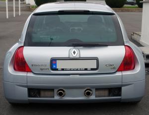 Renault Clio V6.