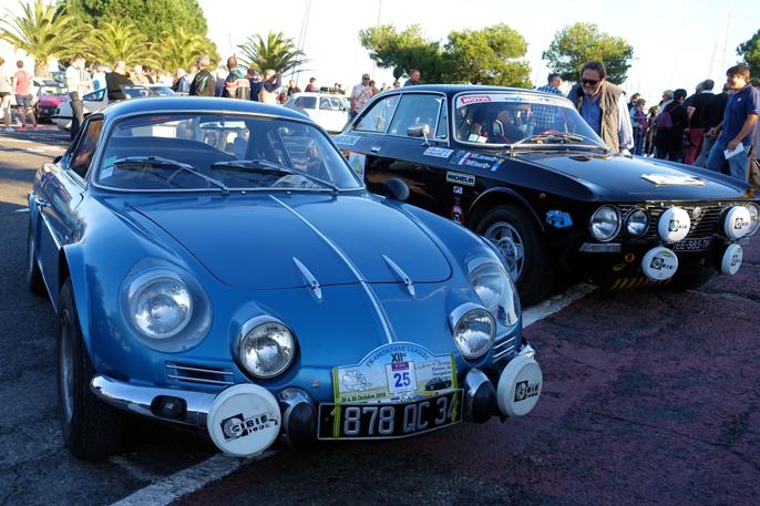 Et praktfullt par. En Renault Alpine 110 og en rallyrigget Alfa Romeo GTV.