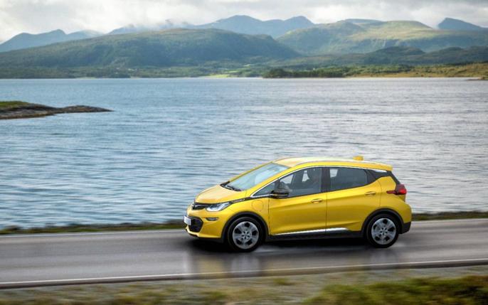 Med 500+ rekkevidde og et klassisk kombikupe-design kan dette bli en ordentlig Norges-bil (foto: Pressebilde fra Opel).