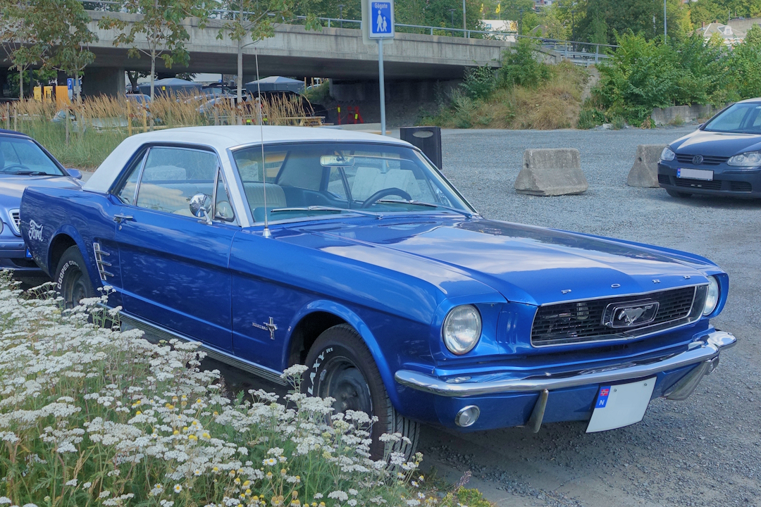 ford mustang 200ci